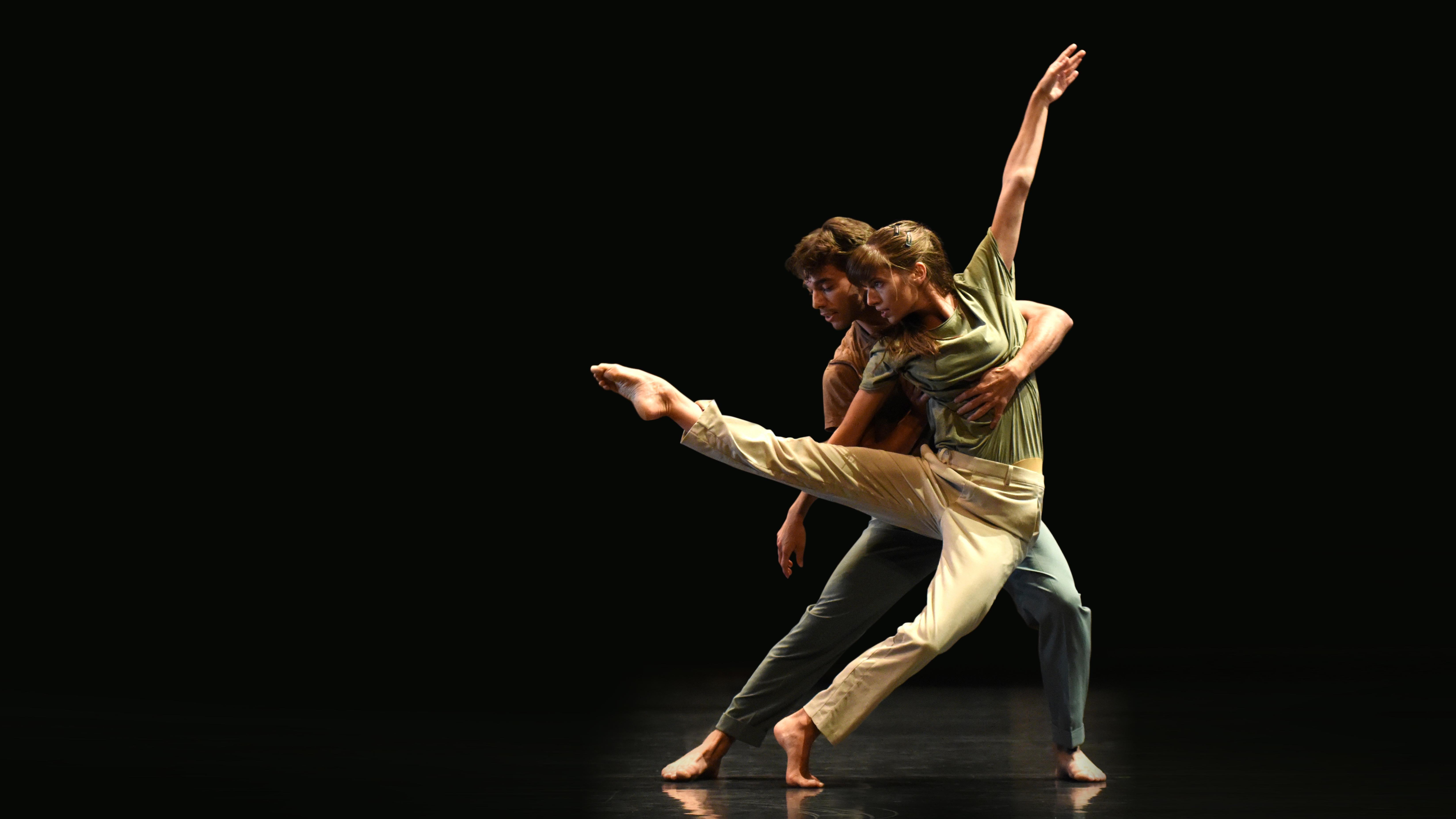Beating - Gauthier Dance // Dance Company Theaterhaus Stuttgart / Virginie Brunelle