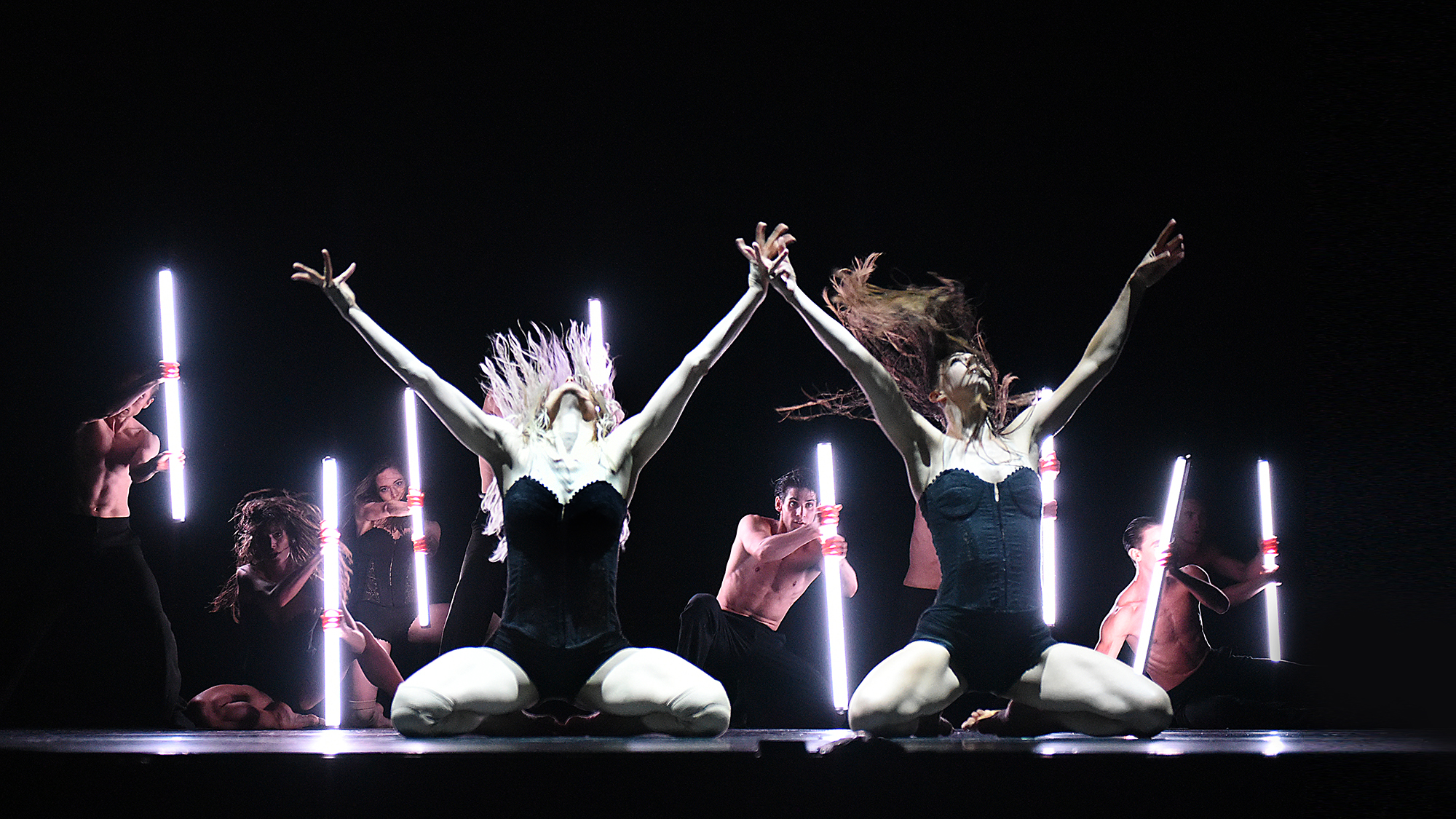 Electric Life - Gauthier Dance // Dance Company Theaterhaus Stuttgart / Eric Gauthier + Andonis Foniadakis