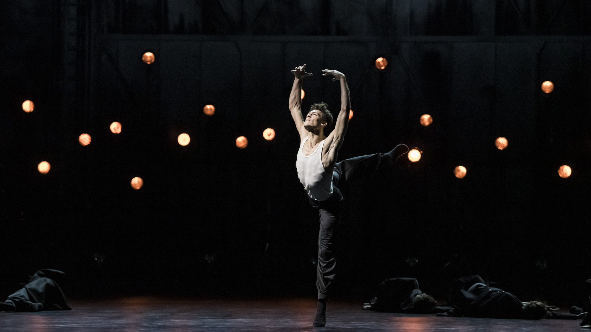BALLET DE L'OPÉRA NATIONAL DE PARIS Body and Soul - Crystal Pite