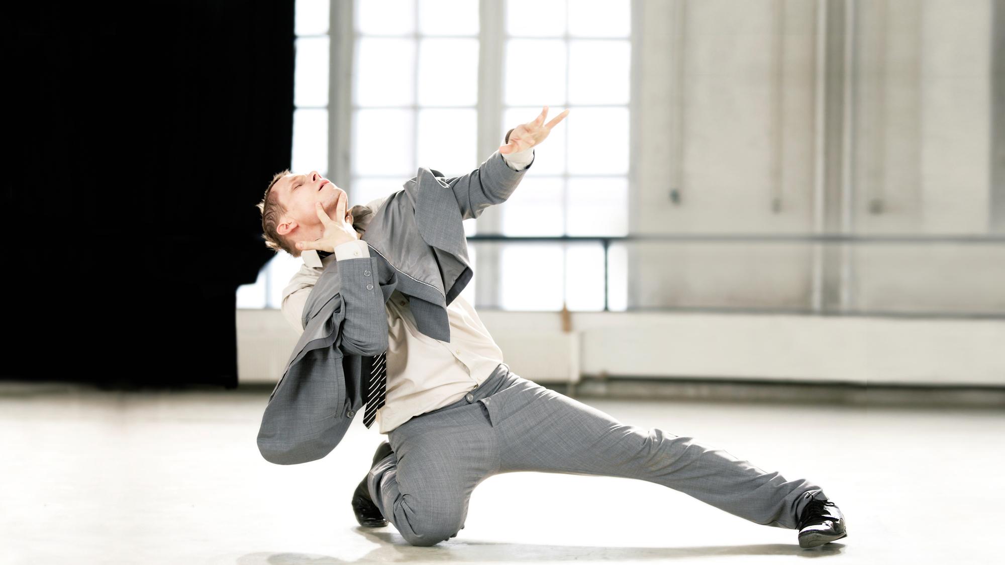 Tero Saarinen Company - Danse Danse